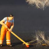 Уход за покрытиями из искусственной травы
