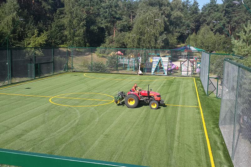 Строительство футбольной площадки в Киеве